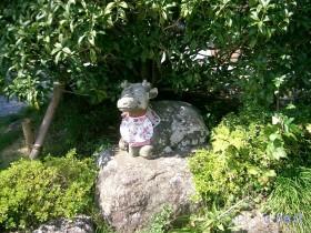 [写真]牛伏堂の由来の石像