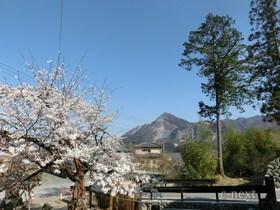 [写真]久昌寺から見た武甲山