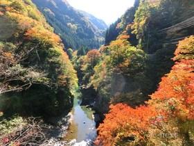 [写真]光岩・金蔵落しの渓流
