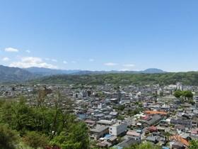 [写真]見晴らしの丘からの展望(奥秩父方面)