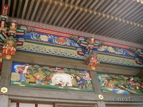 [写真]社殿の彫刻