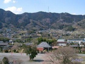 [写真]園内から見た山里風景