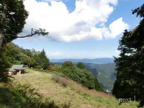 [写真]山頂駅跡付近の道からの展望