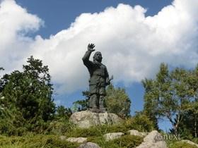 [写真]日本武尊銅像