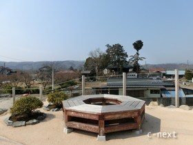 [写真]あの花ポケットパークから見た秩父札所17番定林寺