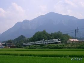 [写真]西武線の電車
