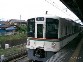 [写真]西武線の4000系電車