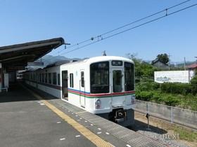 [写真]白い4000系電車