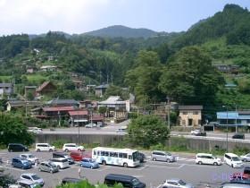 [写真]駅前広場から見た景色