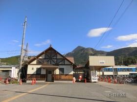 [写真]駅前