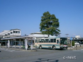 [写真]バスのりば